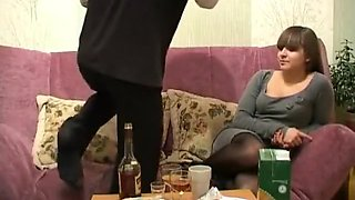 Russian drunk shcoolgirl tried to get out