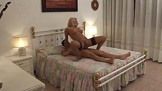 Italian porn film .di madre in figlio.