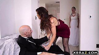 Mother of the bride fucks the groom right before the wedding