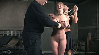 Addicted to sex milf Dee Williams gets her boobs roped and punished