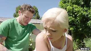 Juicy blonde Cleo Vixen is playing golf and having dirty sex on the lawn