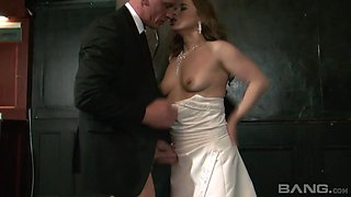Cheating bride Olga Cabaeva having her pulsating pussy poked