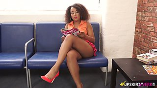 Irresistible tanned whore Kayla Louise exposes her twat