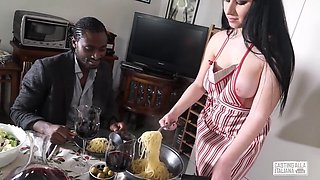 Casting Alla Italiana - Interracial sex with lusty Luna Oara