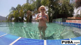 Underwater pool masturbation session with Samantha Rone