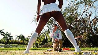 Gorgeous Brandi treats a guy to her amazing ebony body
