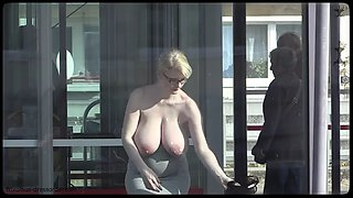 Pregnant woman flashes in public