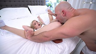 Blonde cuteness Jane Wilde places her pussy on a trembling dick