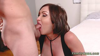 Czech milf hd Auntie To The Rescue