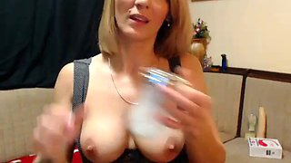 Hot mature mom flashing on live cam