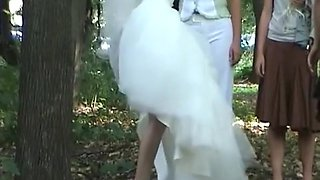 Outdoor hidden pee bride and friends