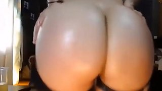 Canadian Mom Shake Her Big Ass