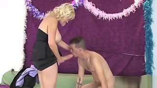 Teens Drill Guys Asshole With Huge Strapon Dildos And Squirt