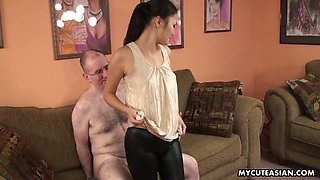 Nice Asian gal provides her European boyfriend with perfect blowjob