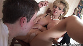 Mature Gilf LadySonia gets head from young guy