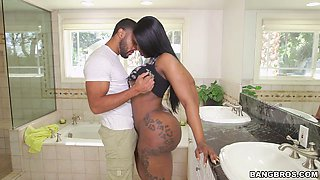 Gorgeous black whore Victoria Cakes gets her twat banged properly