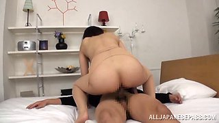 Japanese hussy gets double teamed in hardcore MMF clip