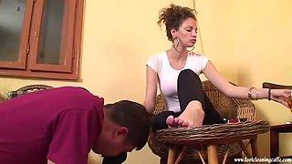 maria shoe and feet worship