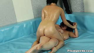 Chubby wrestling amateur loves cockriding