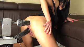 Double Dildo Fucking Machine Squirter