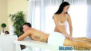 Slutty masseuse tugging