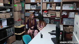 Lauren Phillips and Scarlett Snows pussy flexing on double doggy fuck