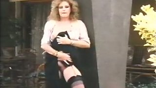 Nasty girl sucks a cock and gets fucked in MMF retro sex tape