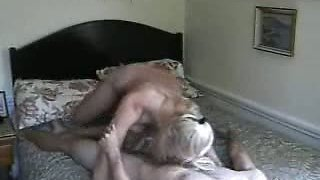 Aunt knows how to ride her Guy in front of Cam-Real amat..