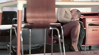 curvy office whore kyra hot seduces her colleague