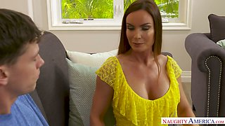 Lusty voracious for orgasm MILF Diamond Foxxx takes a chance to ride strong cock