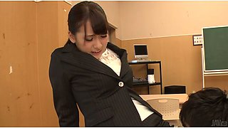 Big assed Asian bitch let her teacher eat her fanny a bit