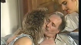 Retro porn compilation with foursome and FFM threesome actions