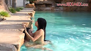 Hot young latina teen Janeth Rubio Fucks in the pool.