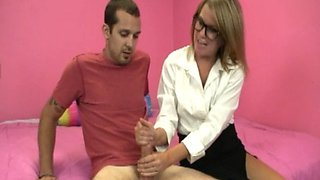 Spex amateur wanker blasted with cumload