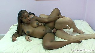 Seducing her man and getting rammed hard.mp4