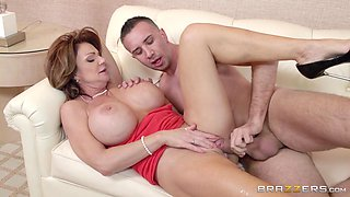 Busty Elegant Mature Wants To Squirt