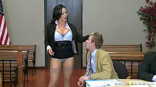Horny prosecutor makes her defense lawyer worship her big round ass