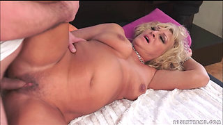 chubby granny Magdi - Cockload