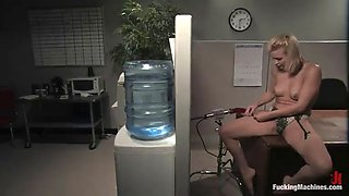 horny blonde pleases her wet pussy with a machine