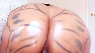 Brittney Jones fucking her Fuk Machine until she climax