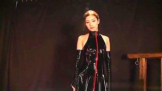 Miyuki Yokoyama Asian milf in latex in CFNM foursome action