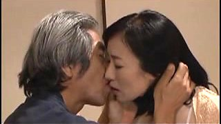 Japanese MoM caught by father in law
