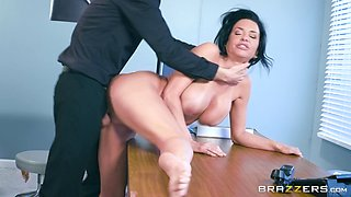 Veronica Avluv is a mature woman whose pussy is all a hunk wants