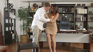 Fervent Jaclyn Taylor masturbates in front of her stud to cause his boner