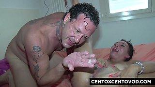 Coca nel culo e testa nel cesso! Orgia malata con Alex Magni