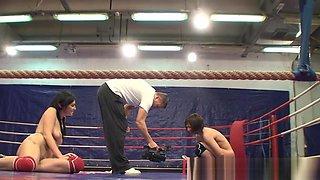 Wrestling Lesbians Preparing For Dildoing