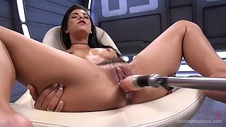 grooly pussy of gina valentina gets drilled by fucking machine