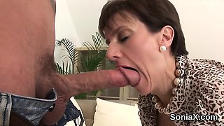 Unfaithful british milf lady sonia shows off her monster boo
