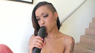 Ebony Babe Gets Her Cute Face Hardcore Fucked And Gives AS Hot Handjob