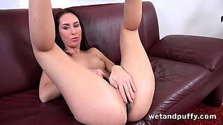 Pussy Gaping And Dildo Fucking For Hot Brunette